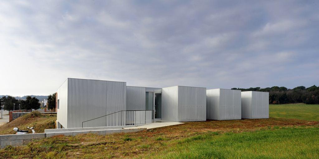 CASA DE 150 m2 CON ESTRUCTURA EN MADERA CONTRALAMINADA Y ACABADO EN ...