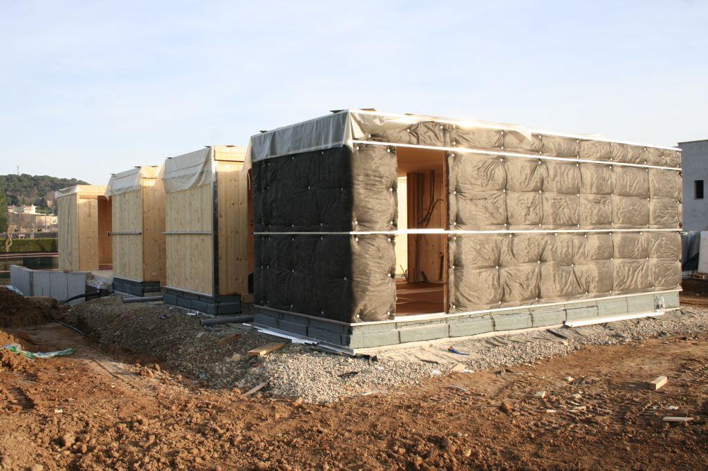 Casa de 150 m2 con estructura en madera contralaminada y - Casas estructura de madera ...